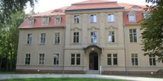 """Schloss Seeben / Exklusive 2-R-Wohnung mit Loggia (NEU: inklusive """"Virtueller Tour"""")"""